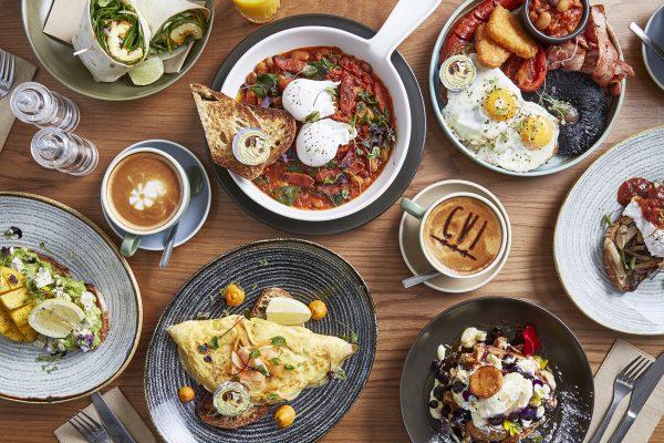Camden Pub, Camden breakfast, camden brunch, barista coffee, coffee, smashed avocado, omelette