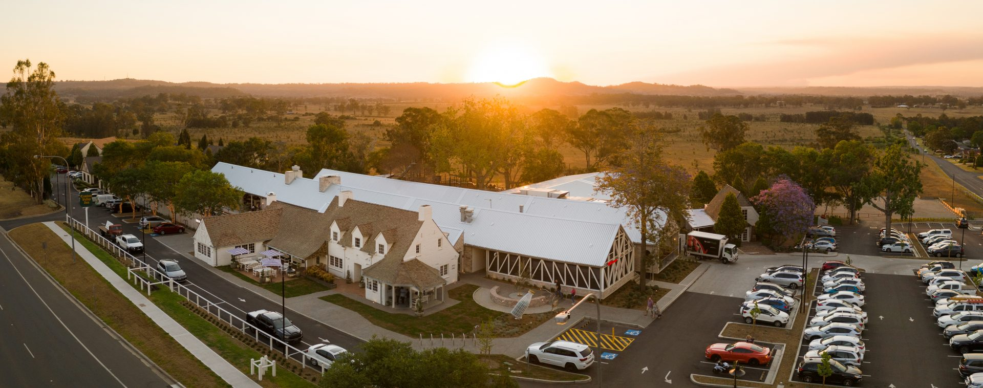 Camden, hotel, accommodation, sydney accommodation, Narellan, Campbelltown, Country Location, country scenery, Views. country views